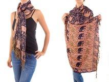 Bufanda femenina elegante con el modelo oriental Fotografía de archivo libre de regalías