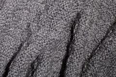 Bufanda gris hecha punto Imágenes de archivo libres de regalías