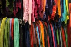 Bufandas coloreadas Foto de archivo libre de regalías