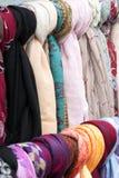 Bufandas coloreadas al aire libre Imagen de archivo libre de regalías