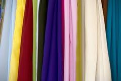 Bufandas de seda coloridas Foto de archivo libre de regalías