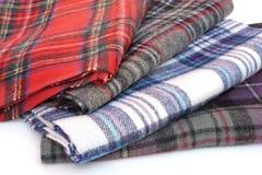 Bufandas multicoloras del tartán Fotografía de archivo
