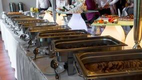 Bufet linia lunch i gość restauracji obrazy royalty free