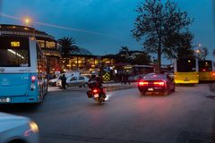 Bufet Uskudar Istanbuł Turcja, ulica & ruch drogowy fotografia royalty free