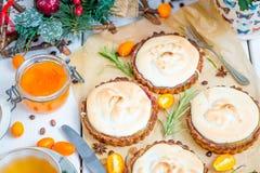 Bufeta śniadanio-lunch Karmowego łasowania Świąteczny Cukierniany Łomota pojęcie, bez Tartlets w restauraci, Bożenarodzeniowy men Obrazy Royalty Free