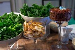 Bufete da salada no restaurante do hotel Fotos de Stock Royalty Free