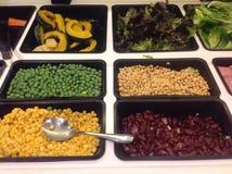 Bufete de ensaladas Imagenes de archivo