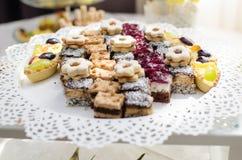 Bufete dos doces e tabela do deserto Imagem de Stock