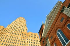 Buffalo Δημαρχείο και εκκλησία, Νέα Υόρκη, ΗΠΑ Στοκ εικόνες με δικαίωμα ελεύθερης χρήσης