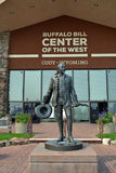 Buffalo Bill Center et statue Photos stock