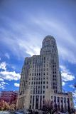 Buffel New York City Hall With Cloudy Blue Sky i bakgrund Royaltyfri Bild
