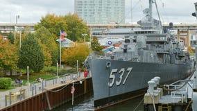 Buffel NY, USA - OKTOBER 20, 2016: USS Sullivansen, jagare DD-537 Militärt buffel- och Erie land som är sjö- och arkivfilmer