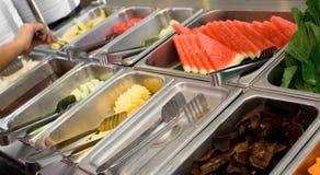 Buffet de dessert - fruit frais Photographie stock libre de droits