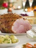 Buffet de lendemain de Noël de jambon rôti par miel Image stock