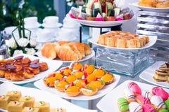 Buffet del dolce e della crostata Fotografia Stock Libera da Diritti