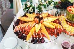Buffet di frutta e delle bevande Fotografia Stock Libera da Diritti