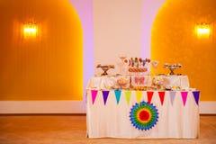 Buffet dolce di compleanno Fotografie Stock Libere da Diritti
