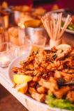 Buffet italiano variopinto e delizioso saporito in ristorante Fotografia Stock Libera da Diritti