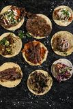 Buffet messicano delizioso di varietà dei taci fotografie stock libere da diritti