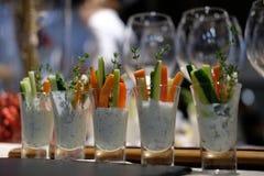 Buffet, salade, poivre, concombre, céleri, sauce, tir Photo stock