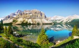 Buga sjön, kanadensiska steniga berg, Alberta Arkivbilder