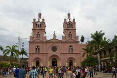 Buga, Valle del Cauca, Colômbia - 9 de janeiro de 2017: Basílica do senhor dos milagre imagens de stock royalty free