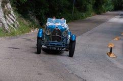 BUGATTI类型40 1927年在集会Mille Miglia的一辆老赛车2017年 免版税库存图片