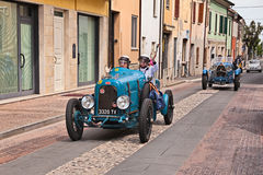 Bugatti-Art 23 1920 in Mille Miglia 2017 Lizenzfreie Stockfotos
