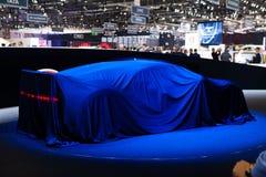 Bugatti Chiron onder dekking stock fotografie
