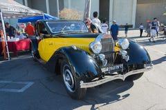 Bugatti typ 46 på skärm Royaltyfri Foto