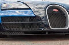 Bugatti Veyron στην επίδειξη στο Πόρτο Cervo στη Σαρδηνία Το Bugatti είναι ένα γαλλικό αυτοκίνητο μΑ στοκ φωτογραφίες με δικαίωμα ελεύθερης χρήσης