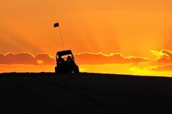 Buggy de duna na luz dourada Fotografia de Stock