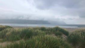 Bugie dell'isola di Achill fuori dalla contea Mayo stock footage