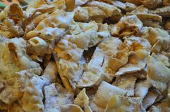 bugie het gebraden gebakjes gebakken voedsel van Carnaval fritters stock foto
