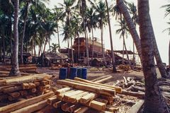 Traditional boat building in South Sulawesi, Indonesia. The Buginese people are an ethnic group, wellknown for there craftsmanship in building ocean-going barges stock images