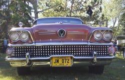 Buick восстановленное классикой бургундское Стоковые Изображения