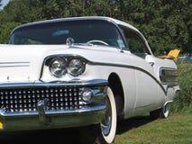 Buick blanco clásico restaurado Fotografía de archivo