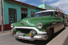 Buick dans la rue du Trinidad Image stock