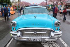 1955 Buick dodatku specjalnego Riviera Coupe widzieć od przodu zdjęcia stock