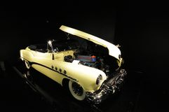 Buick Roadmaster cabriolet 1951 Arkivbild
