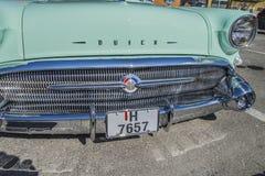 1957 Buick Roadmaster, detaljframdel Arkivbilder