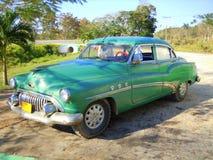 Buick som är toppen i Kuba arkivbild