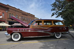 Buick 1953 Woody Station Wagon Royaltyfria Foton