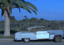 Buicks Lowrider 8 gerade bei Sonnenuntergang Lizenzfreie Stockfotos