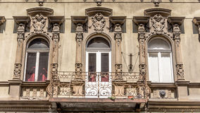 buidling在布达佩斯匈牙利的一栋老公寓 免版税库存图片
