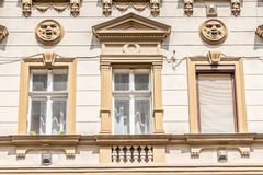 buidling在布达佩斯匈牙利的一栋老公寓 库存图片