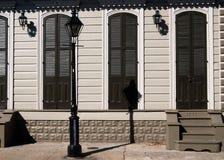 Buidling i fransk fjärdedel & x28; New Orleans & x29; Arkivfoto