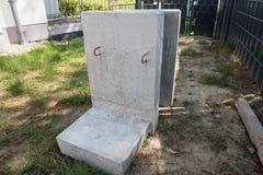 Buidling nowy taras w ogródzie - kamienie Zdjęcie Royalty Free