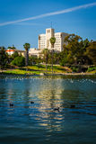 Building along the lake at MacArthur Park, in Westlake  Stock Photography