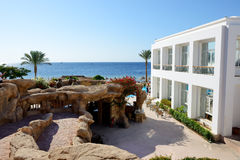 The building and beach at luxury hotel Royalty Free Stock Photos